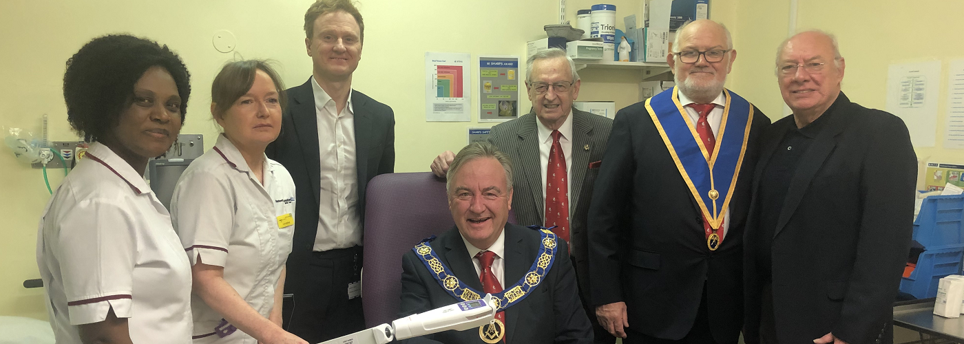 West Kent Freemasons support patient care at Queen Mary's